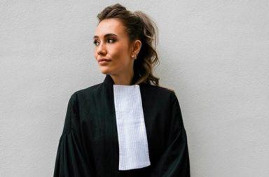 In de serie ''Monniemakers'' zien we hoeveel advocate en influencer Julia Mekkes verdient