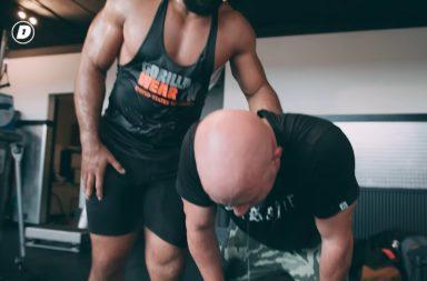 Jay Jay Boske van DAY1 traint zich helemaal suf met judoka Roy Meyer